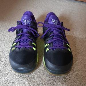 Kobe Bryant Nike basketball shoes size (12)